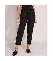 calça carrot clochard com bolsos e botões cintura super alta preta