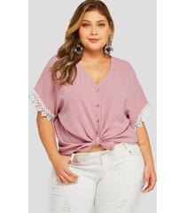 plus talla rosa botón diseño blusa de encaje con cuello en v