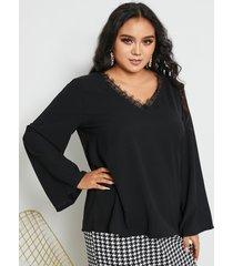 blusa de manga larga de encaje con cuello en v y talla grande