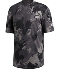 tränings-t-shirt continent camo city tee