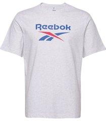 cl f vector tee t-shirts short-sleeved grå reebok classics
