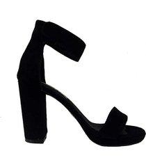 sandalia negra paloma cruz pampa