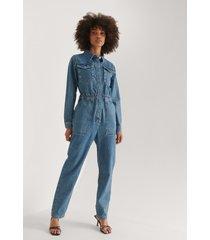 na-kd trend ekologisk denim jumpsuit med elastisk midja - blue