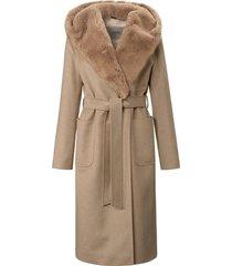 jas van hoogwaardige wol met een vleugje kasjmier van cinzia rocca bruin