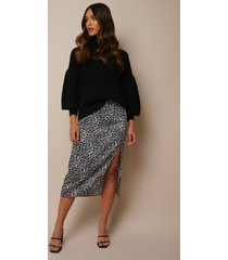 donnaromina x na-kd leo printed midi skirt - multicolor