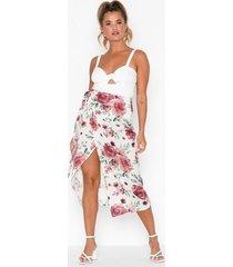 nly trend high slit wrap skirt midikjolar