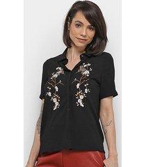 camisa extin manga curta botões bordado feminina