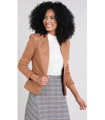 blazer feminino com bolsos e zíper caramelo