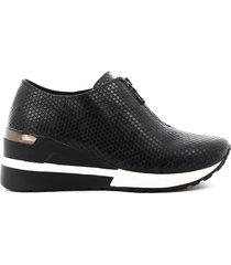 zapato casual para mujer, marca via spring, color negro.