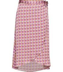 lr-fiona knälång kjol rosa levete room