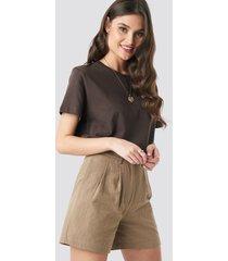 na-kd trend linen look oversized shorts - beige