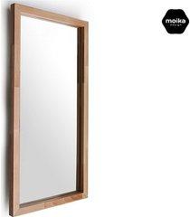 lustro w ramie drewnianej