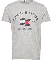 folded flag tee t-shirts short-sleeved grå tommy hilfiger
