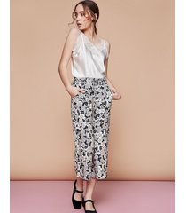 spodnie z nadrukiem w kwiaty love