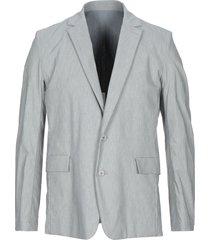 attachment suit jackets