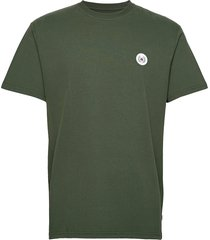 our jarvis patch tee t-shirts short-sleeved grön woodbird