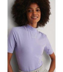 calvin klein ekologisk t-shirt - purple