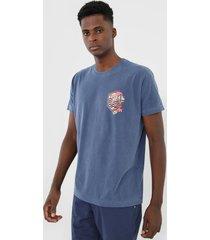 camiseta osklen stone brasão azul