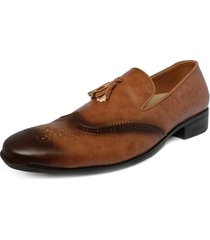 zapato hombre tipo loafer oxford miel outfit