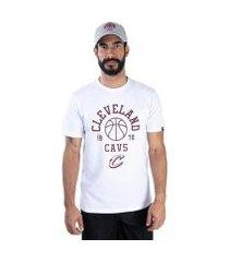 camiseta new era nba cleveland cavaliers essentials play