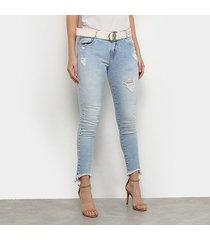 calça jeans skinny morena rosa delavê destroyed c/ cinto feminina