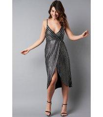 na-kd party wrap over striped sequins dress - silver