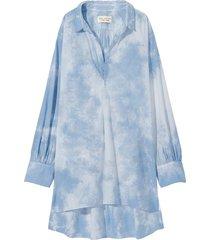 ambrose tunic in light blue tie dye