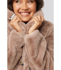 na-kd colored faux fur short coat - pink