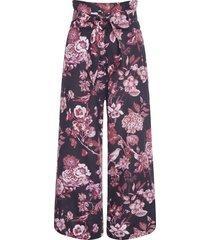 calça feminina pantacourt isis - preto