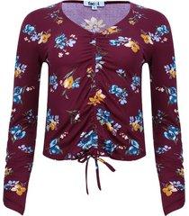 camiseta floral con recogido color vino, talla 14