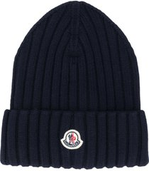 moncler chunky rib knit beanie hat with logo - blue