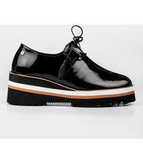 zapatos cordón plataforma de cuero charol