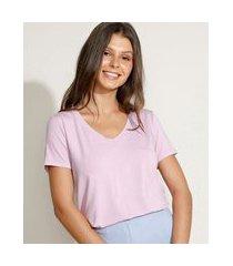 camiseta feminina básica manga curta decote v lilás