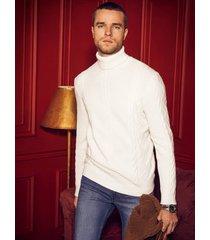 dzianinowy sweter z warkoczowym splotem