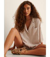na-kd lingerie oversize kortärmad loungeskjorta - beige