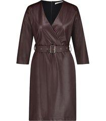 faux leather jurk met riem shyla  bruin