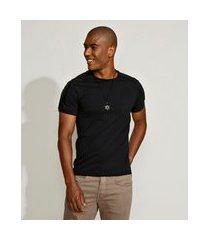 camiseta masculina slim com recorte e bolso manga curta gola careca preta