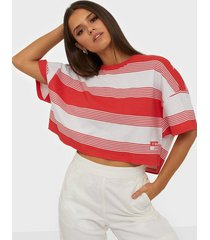 abrand jeans a cropped oversized tee t-shirts
