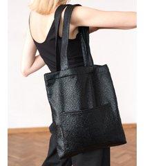torba mini w czarną łuskę