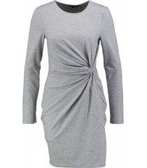 vero moda soepel stevig grijs stretch jurkje valt 1 maat kleiner