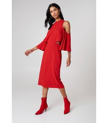 na-kd cut out tied neck dress - red