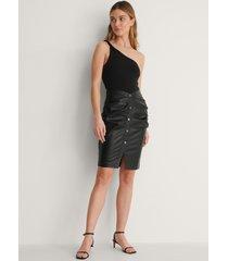 curated styles pu-kjol - black