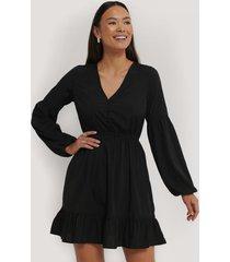 na-kd boho balloon sleeve mini dress - black