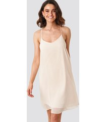 na-kd party cami chiffon dress - pink