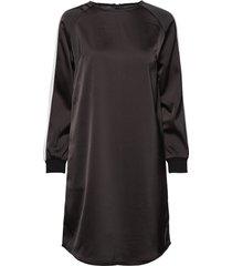 linea dress knälång klänning svart soft rebels