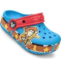 sandália crocs infantil crocband disney woody com led masculino