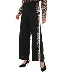 pantalon ancho con huincha negro gouache