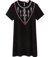 vestido recto bordado étnico negro nicopoly