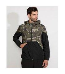 jaqueta corta vento de nylon masculina esportiva ace com recorte camuflado e capuz verde militar