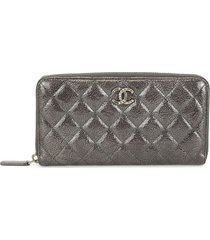 chanel pre-owned diamond quilted cc zip-around wallet - black